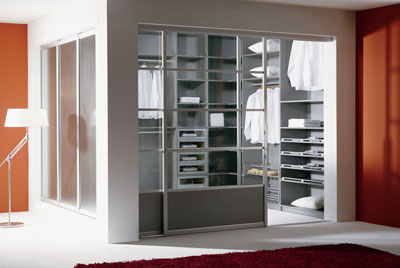 schrank regalsysteme gleitt ren bei wohn contour. Black Bedroom Furniture Sets. Home Design Ideas